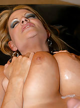 Bouncing Boobs, Ryan Madison cums all over Kelly's big tits!