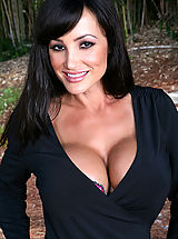 Naughty America, Lisa Ann