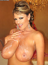 Kelly Plays with her big natural 34FF boobs and bangs her wet pussy.