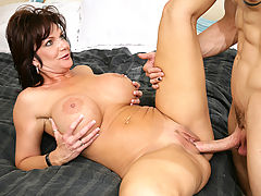nice, Deauxma & Chris Strokes in Fucking Hot Moms