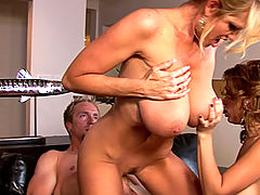 Bouncing Boobs, Sienna takes a huge load after her and Kelly get aggressive with cock and get it to hit every pleasure point on their bodies.