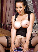 nicetits, Busty Anilos Donna fucks her mature pussy with a huge dildo on the bed