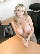 Housewives Pics: Hot Wifey as Boss Lady