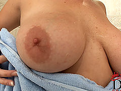 nice little tits, Blonde busty babe Elli Jordan washing her tits