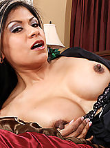Naughty America Pics: Gabby Quinteros gets what she wants from her employee