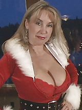 Busty Mature, Wifeys World Christmas