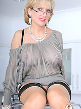 Busty Polish, Nylons mature in glasses spreading