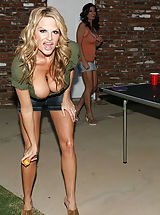 Bouncing Boobs, Kelly Madison and Ryan fuck Lucky Benton while she's doing the splits.