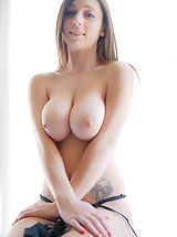 nice tities, Samantha Jay
