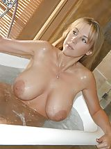 nice tities, Houswife whith Super Huge Tits under the shower