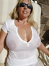 Busty Blonde, Houswife whith Super Huge Tits is really wet