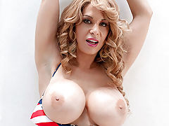 Bouncing Boobs, Alyssa Lynn