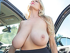 nice cleavage, Kelly Madison